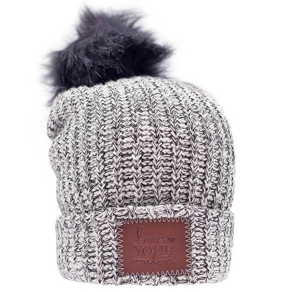 03bf051793beb Love Your Melon Accessories - NWOT  BLACK SPECKLED CUFFED BLACK POM BEANIE